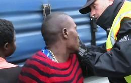 Đức phát hiện người di cư trong tàu chở hàng