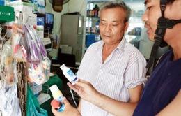 """Nhiều sản phẩm """"ăn theo"""" dịch sốt xuất huyết đắt hàng"""