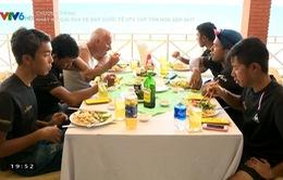 Cảm nhận của các tay đua nước ngoài về đồ ăn Việt Nam