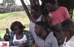 """Gabon: Từ chối """"đổi tình lấy điểm"""", nữ sinh bị điểm 0 trong bài kiểm tra"""