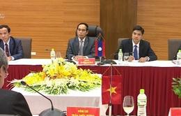 Đồng chí Trần Quốc Vượng tiếp Phó Thủ tướng Lào