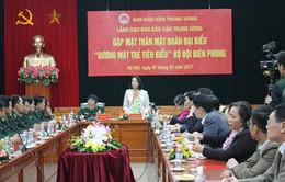 Đồng chí Trương Thị Mai gặp mặt gương mặt trẻ tiêu biểu Bộ đội Biên phòng