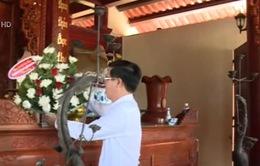 Đồng chí Võ Văn Thưởng dâng hương tại Hà Tĩnh