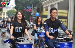 """Hàng nghìn bạn trẻ cùng các đại sứ """"đội mưa"""" đạp xe hưởng ứng Giờ Trái đất"""