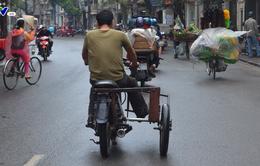 Xe máy cũ nát, không biển số lưu thông trên đường phố Hà Nội