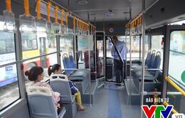 Hành khách đi xe bus ở Hà Nội ngày càng giảm