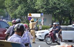 TP.HCM: CSGT Tân Sơn Nhất ra quân điều tiết giao thông
