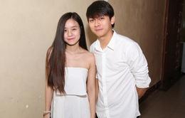 Hoài Lâm và bạn gái 9X dắt nhau xem chung kết Giọng hát Việt