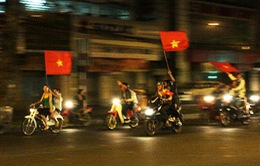 """Bà Rịa - Vũng Tàu: Hàng trăm """"quái xế"""" chặn Quốc lộ để đua xe trái phép"""
