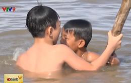 Nguy cơ trẻ đuối nước trong mùa lũ ở Đồng Tháp