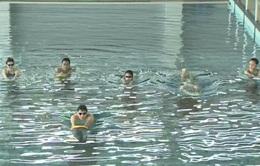 Tư vấn bơi và phòng chống đuối nước (số 9): Kỹ thuật phòng chống đuối nước dù không biết bơi