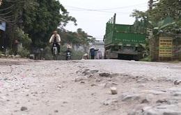 Đường cải tạo dở dang, gần 10 năm dân chịu khổ