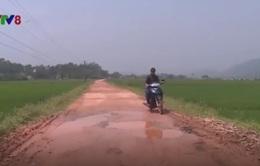 Quảng Bình: Hàng nghìn người khốn khổ vì đường xuống cấp