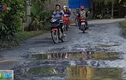 Nhiều đường dân sinh xuống cấp gây TNGT