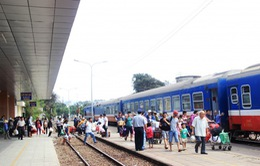 Hành khách đi tàu hỏa bị giới hạn hành lý xách tay như đi máy bay