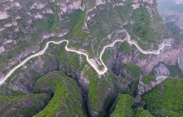 Kỳ công con đường cao tốc xuyên Thái Hành Sơn