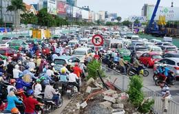 Đề xuất tạm dừng cấp phép cho xe dưới 9 chỗ chạy hợp đồng