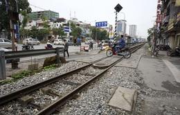 Buông lỏng quản lý hành lang đường sắt