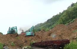 Tập trung khắc phục sạt lở lấp đường tàu ở Yên Bái
