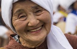 Tuổi thọ trung bình của nữ giới đến năm 2030 sẽ lên tới 90