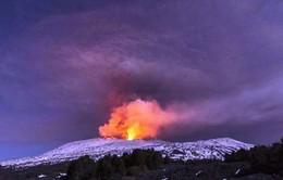 Italy: Núi lửa phát nổ khiến 10 người bị thương