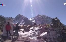 """Nepal giới hạn những """"giấc mơ Everest"""""""