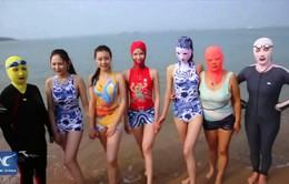 Facebiki - Trang phục đi biển bảo vệ khuôn mặt theo cách mới