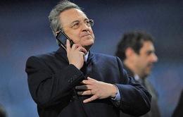 """Trước siêu kinh điển, Real Madrid """"chào hàng"""" Cris Ronaldo khắp châu Âu"""