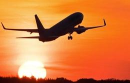 """Áp giá sàn đường bay nội địa: Một hình thức can thiệp """"thô bạo""""?"""