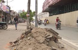 Hà Nội: Gạch vữa chất đống sau chiến dịch đòi lại vỉa hè