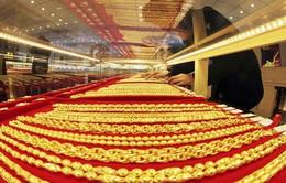 Giá vàng  trong nước và thế giới tiếp tục leo dốc
