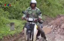 Tuyến đường độc đạo xuống cấp, người dân miền núi Quảng Trị gặp khó khăn