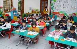 Chuyển giáo viên phổ thông xuống dạy mầm non - nên hay không?