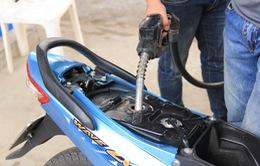 Có thể mua xăng dầu bằng thẻ ATM từ tháng 8