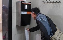 Lắp đặt máy nhận dạng khuôn mặt chống trộm giấy vệ sinh