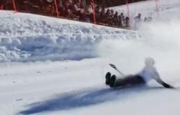 Độc đáo cuộc thi giữ thăng bằng trên xẻng xúc tuyết tại Mỹ