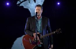 """""""Tan chảy"""" với ca khúc dành tặng bạn gái của HLV The Voice Mỹ"""