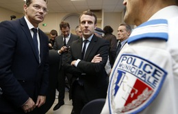 """Bầu cử Tổng thống Pháp: """"Nóng"""" về vấn đề nhập cư, chống khủng bố"""