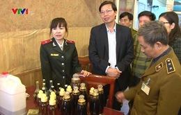 Hà Nội tiêu hủy 20.000 lít rượu không nguồn gốc