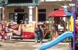 Hà Tĩnh: Một số học sinh vẫn chưa thể đến trường sau bão số 10