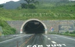 Ngày đầu đóng cửa hầm Hải Vân an toàn