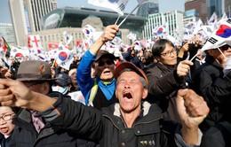 Hàn Quốc chia rẽ sâu sắc sau phán quyết bãi nhiệm Tổng thống
