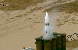 Hàn Quốc tập trận bắn đạn thật sử dụng tên lửa