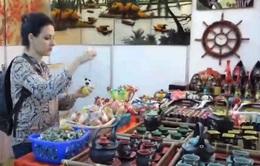 Gian hàng Việt Nam hút khách tại Hội chợ Algeria