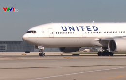 United Airlines thiệt hại nặng nề sau hành xử gây sốc
