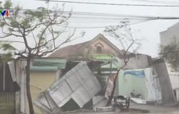 Hà Tĩnh: 25.000 nhà dân bị tốc mái vì bão số 10
