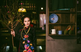 Diễn viên Bảo Thanh dịu dàng diện áo dài xuống phố