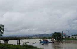 Sà lan tông sập cầu Sông Hoàng ở Thanh Hóa