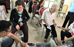 Vinamilk tiếp tục hành trình chăm sóc sức khỏe cho gần 2.000 người cao tuổi