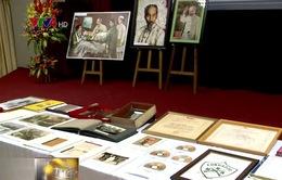 Tiếp nhận tài liệu và hiện vật quý về Chủ tịch Hồ Chí Minh